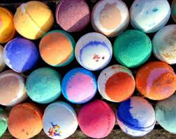 2016 Holiday Gifts Guide for Busy Moms Bath Bombs
